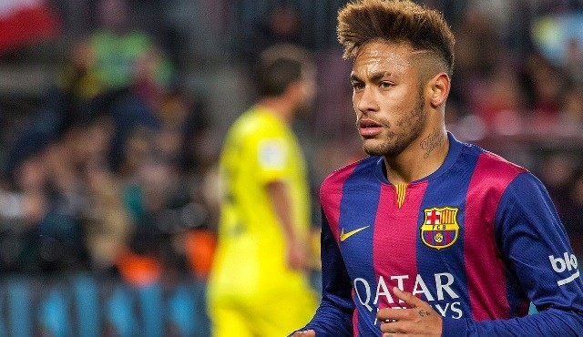 Le FC Barcelone poursuit Neymar