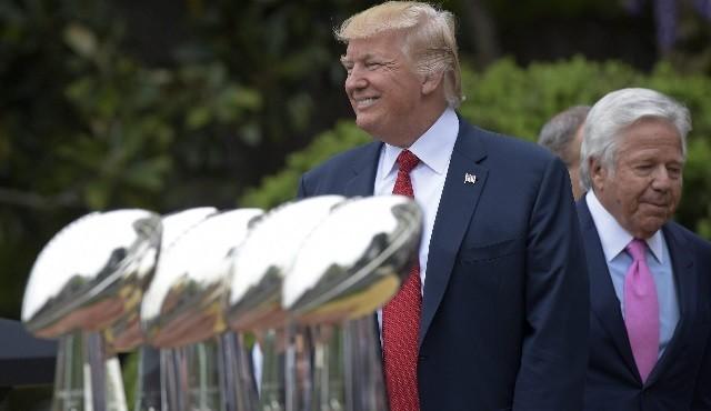 Une bague du Super Bowl pour Donald Trump