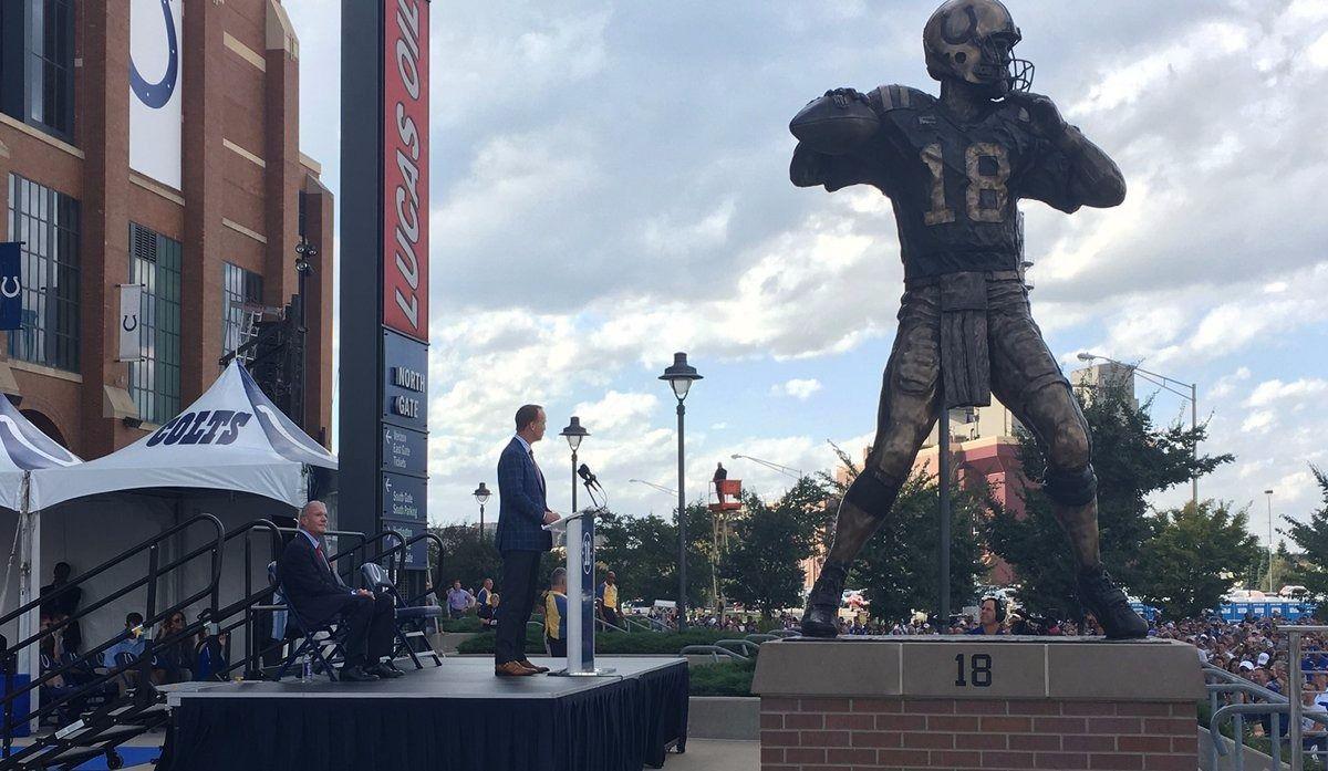 Une statue en l'honneur de Peyton Manning à Indiannapolis (vidéo)