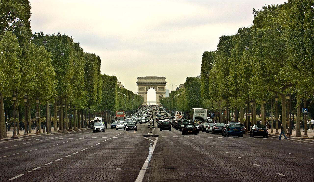 Les voitures interdites dans les rues de Paris d'ici 2030?