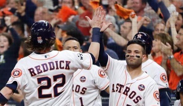 Les Astros en avant 5-0 — Série mondiale