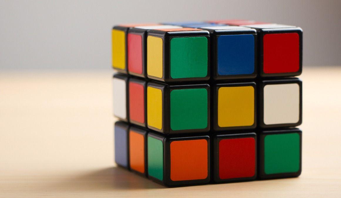Record du monde de cube rubik: sous les 5 secondes