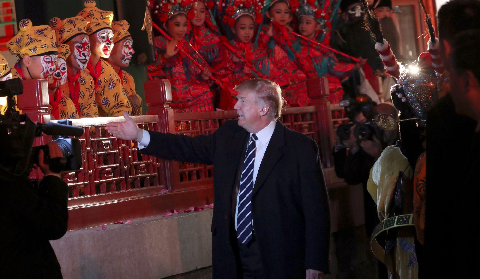 Donald Trump accueilli en grande pompe en Chine