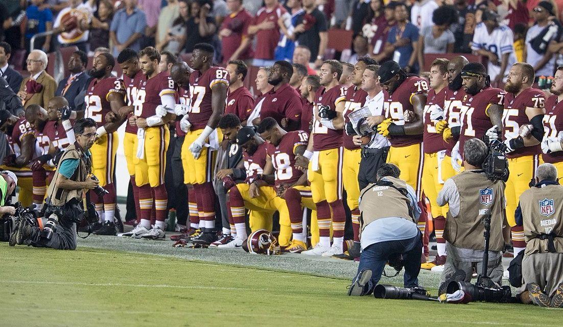 Que ferait Jésus, demande un groupe de joueurs de la NFL