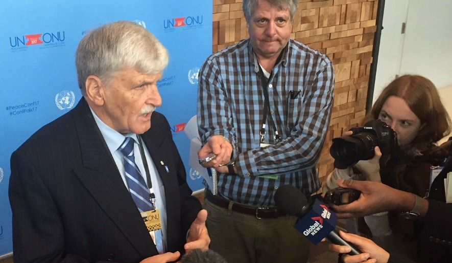 Casques bleus canadiens: intervenir sans intervenir