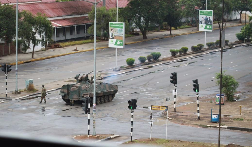 «Pas de contrôle militaire» au Zimbabwe