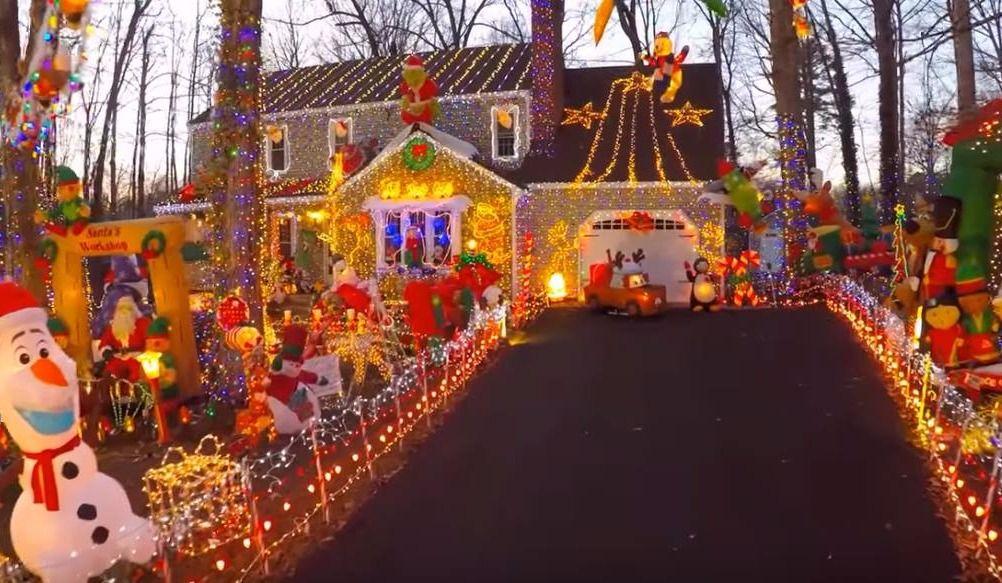 La maison aux 178 000 lumières de Noël!