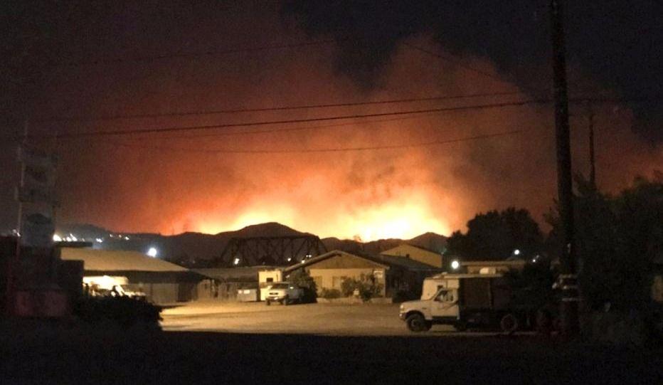 Violent incendie de forêt au nord de Los Angeles