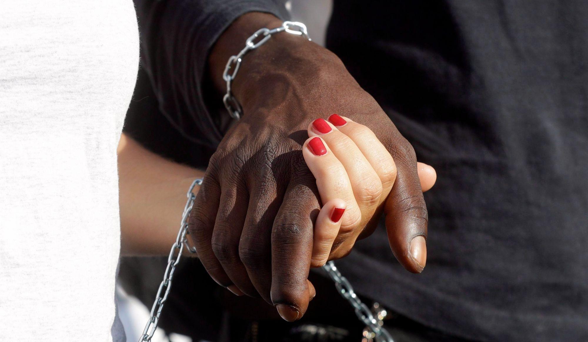 Début d'une consultation sur le racisme systémique