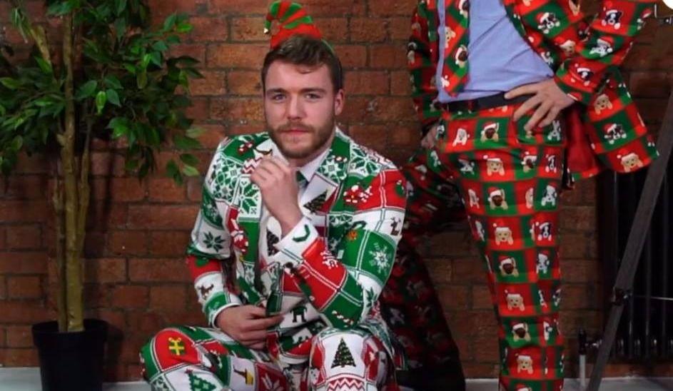 Porter le complet festif à Noël