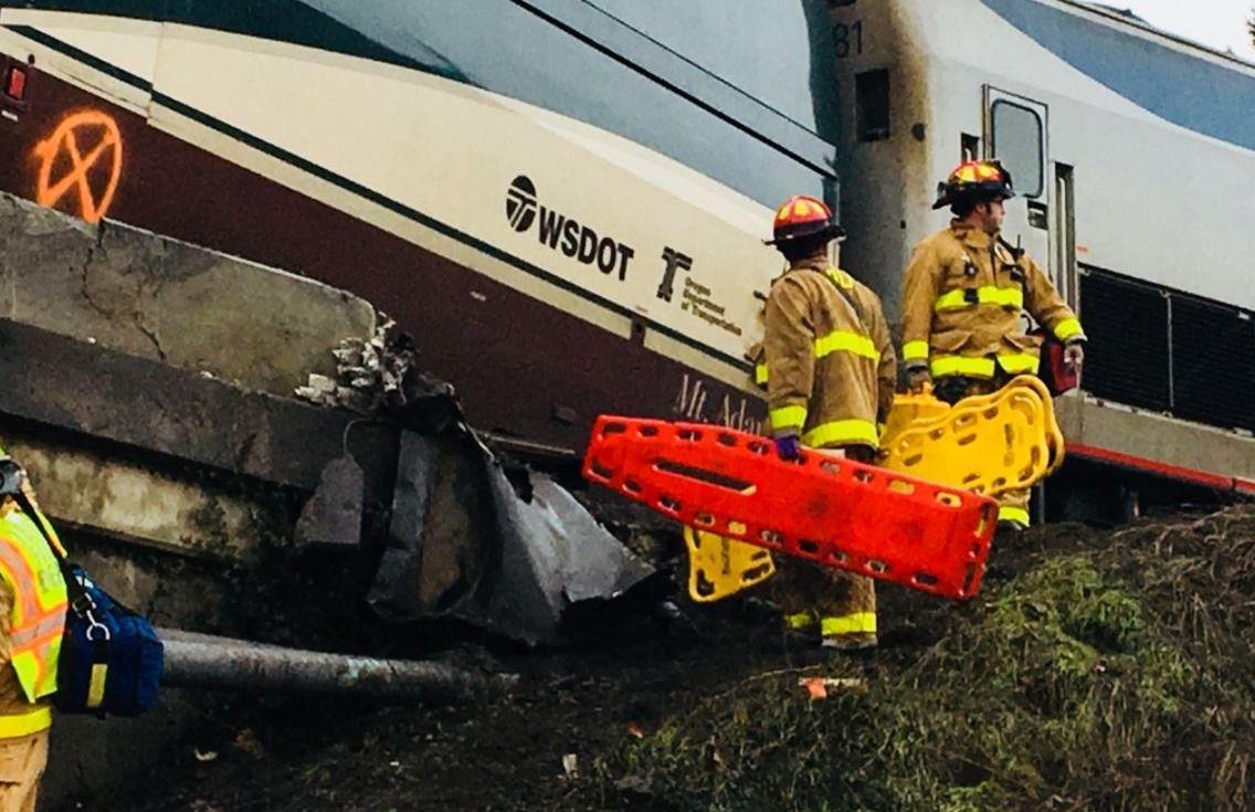 Le déraillement d'un train fait plusieurs morts près de Seattle — ETATS-UNIS