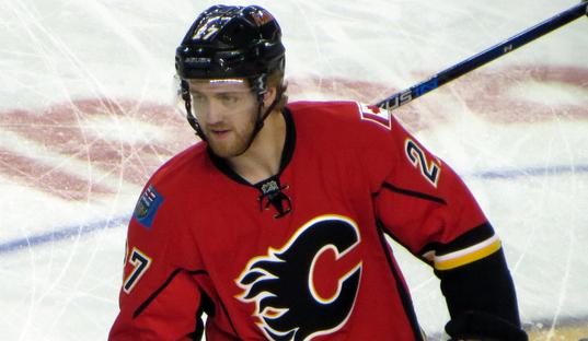 Avant le CH, les Flames renversent les Blues (vidéo)