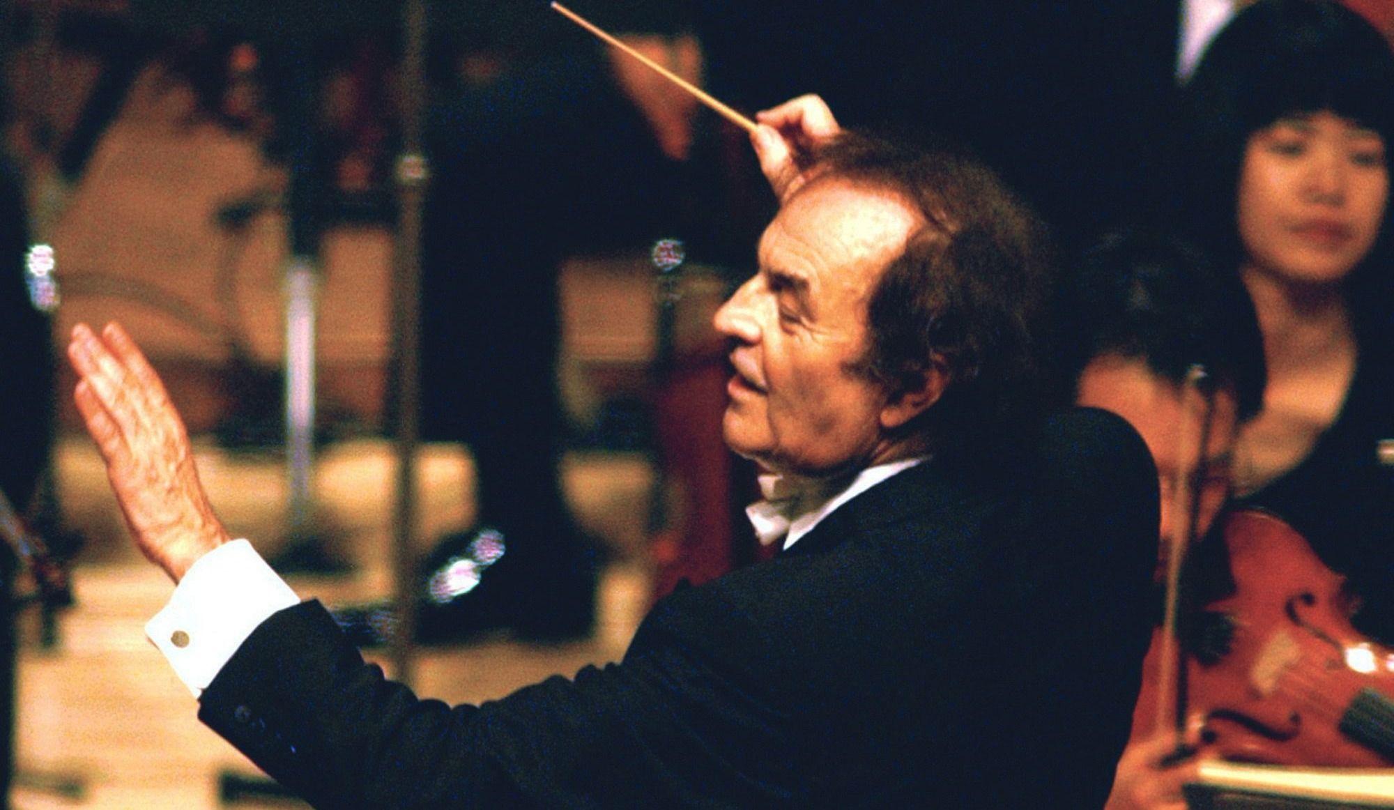 Accusations d'inconduite sexuelle contre le chef d'orchestre Charles Dutoit
