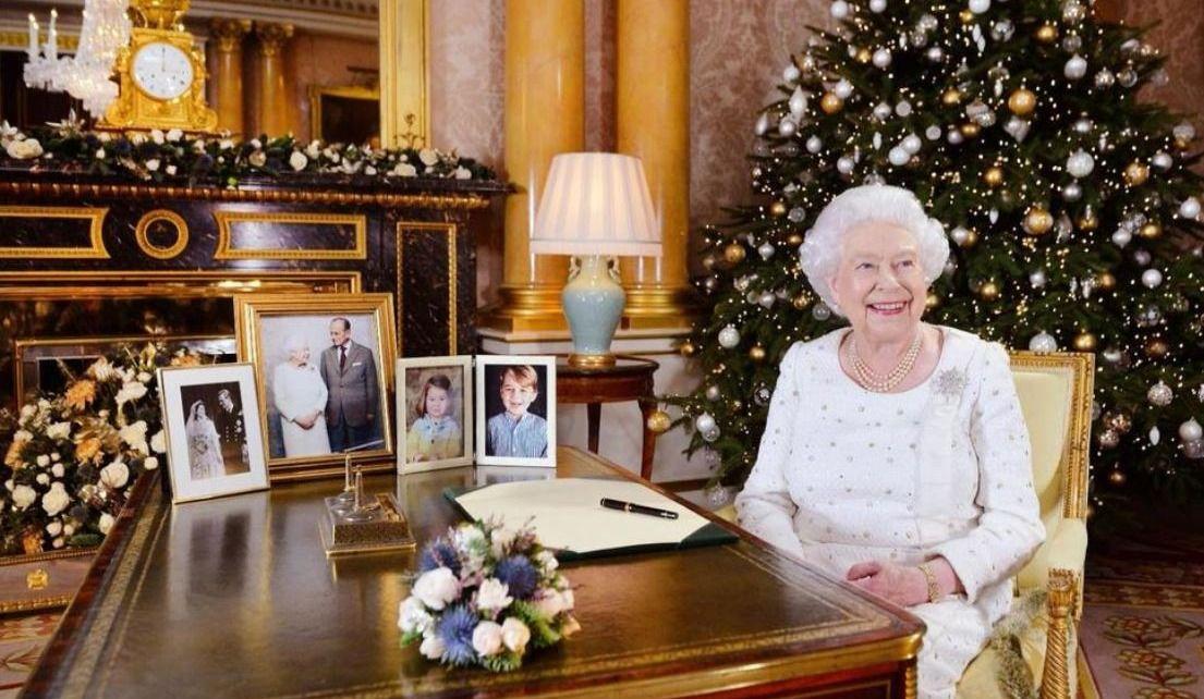 La reine rend hommage aux victimes d'attentats dans son message de Noël