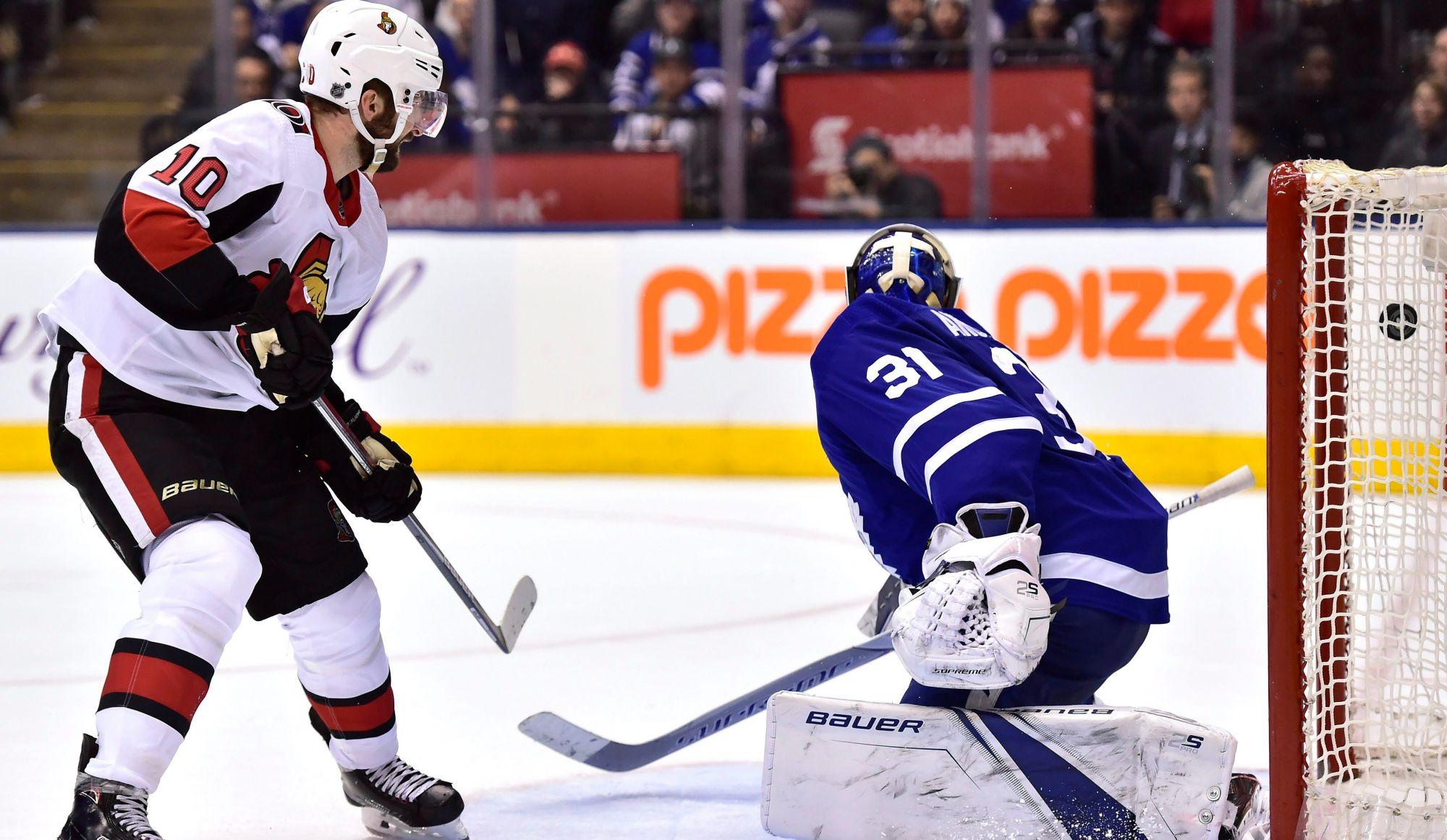 Les Sénateurs surprennent les Maple Leafs 4-3 (vidéos)