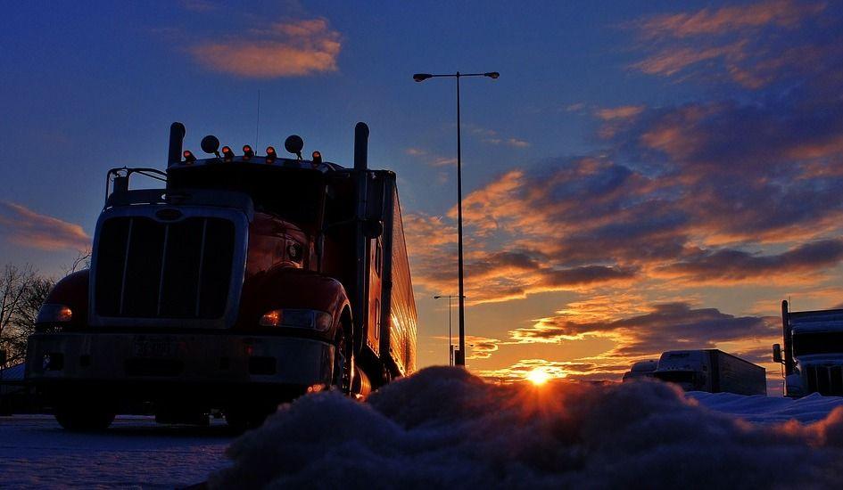 Suicide par poids lourd : des camionneurs marqués au fer rouge