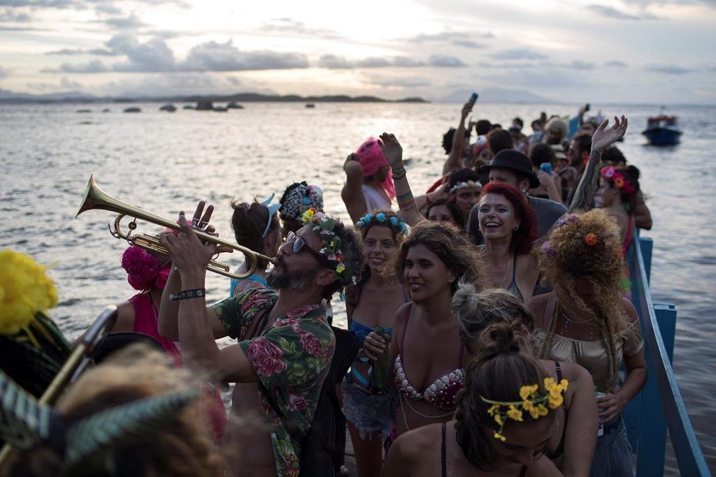 Le carnaval de Rio n'est plus la fête du luxe