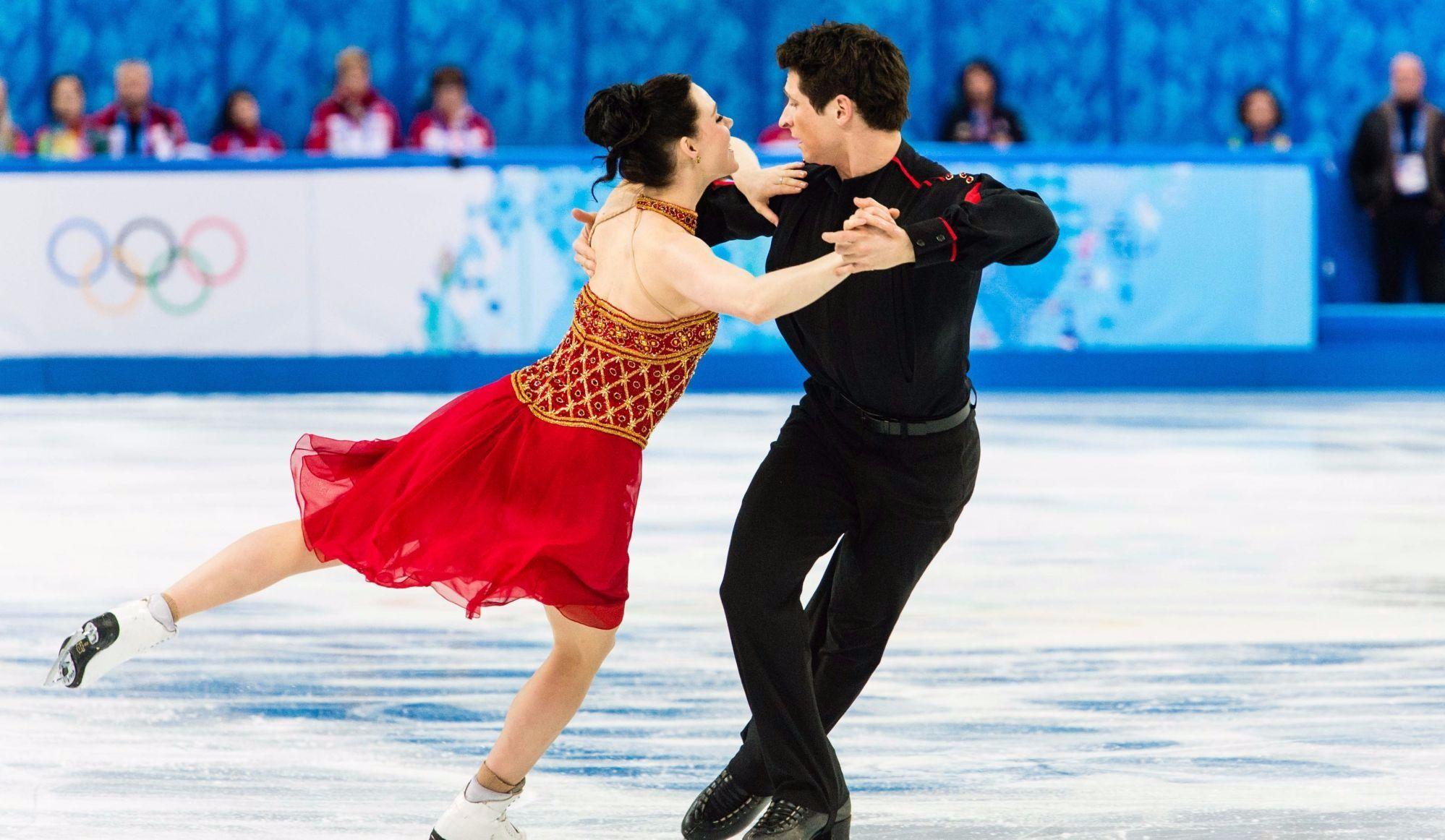 Virtue et Moir aident le Canada à rester en tête en patinage artistique