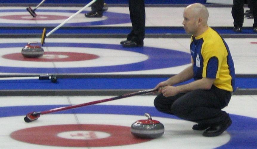 Curling masculin: une victoire pour le Canada en lever de rideau