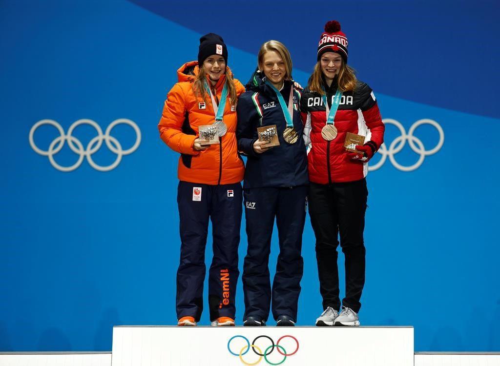 Malgré les menaces, Kim Boutin tout sourire sur le podium