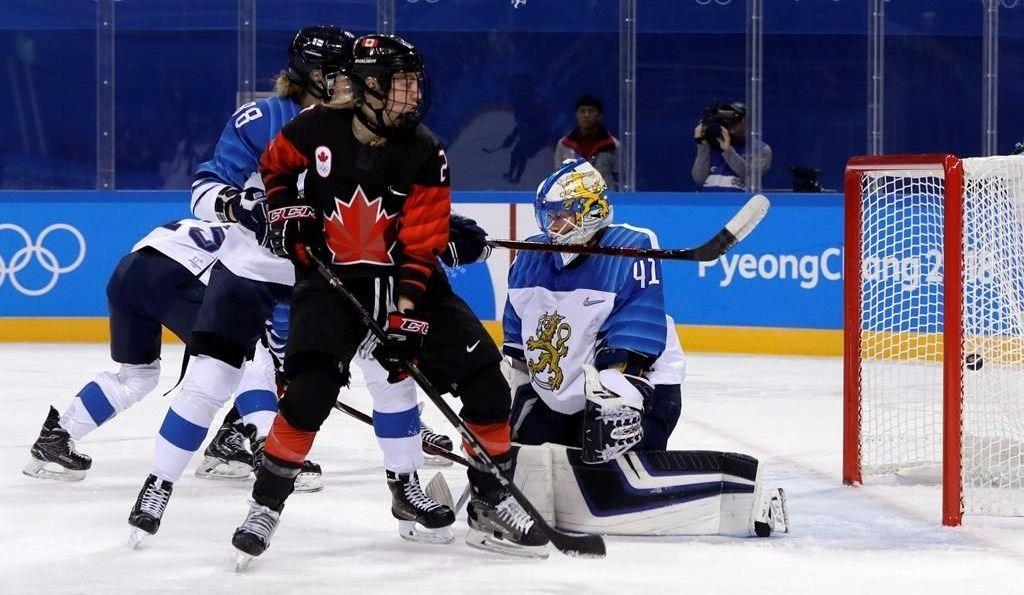 Un tournoi à 10 équipes en hockey féminin en 2022?