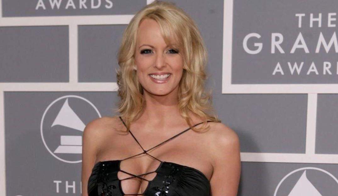 L'actrice porno Stormy Daniels poursuit le président Donald Trump