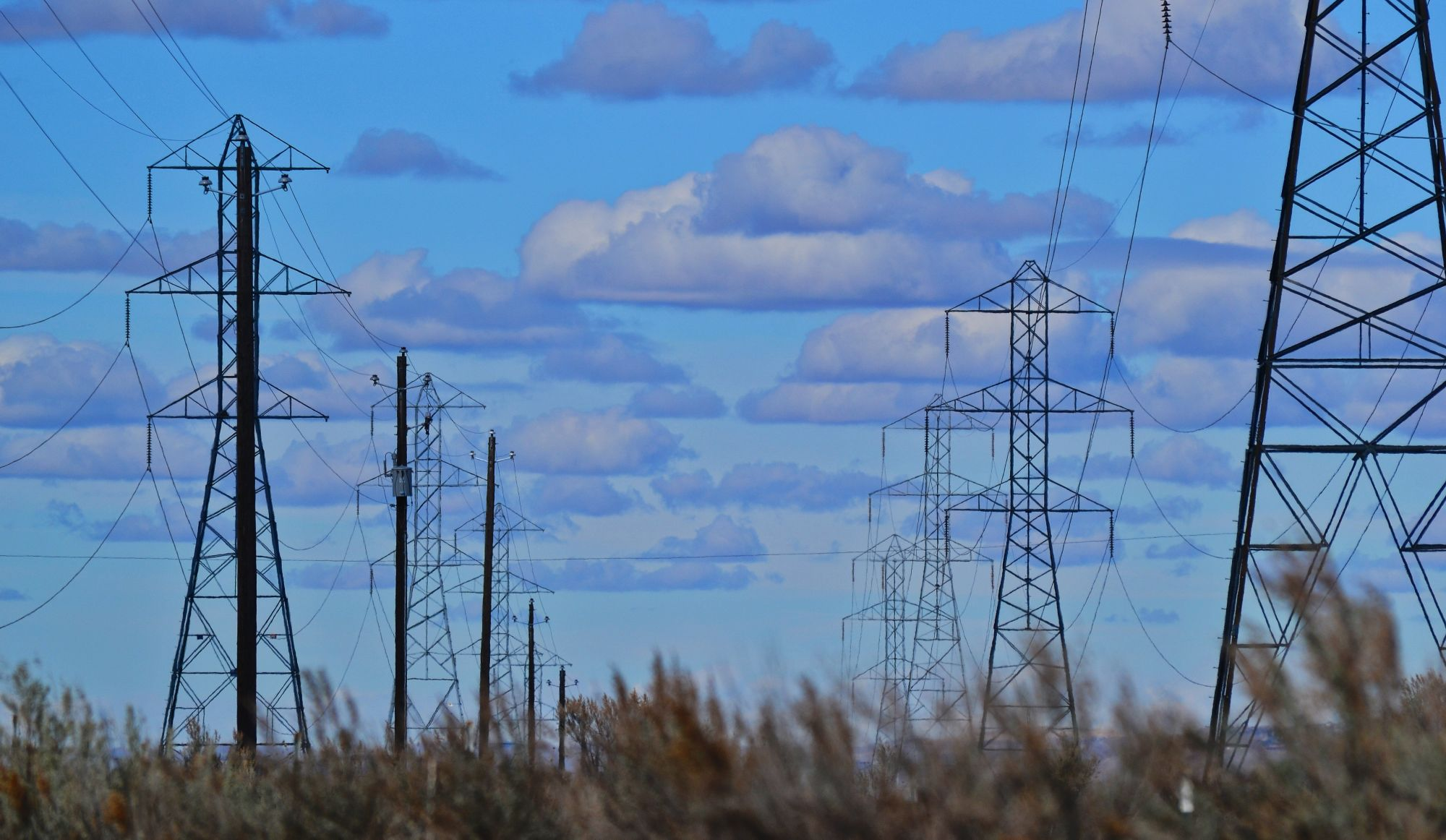 Hydro-Québec: il y aura une hausse de tarifs, mais pas aussi importante que prévu