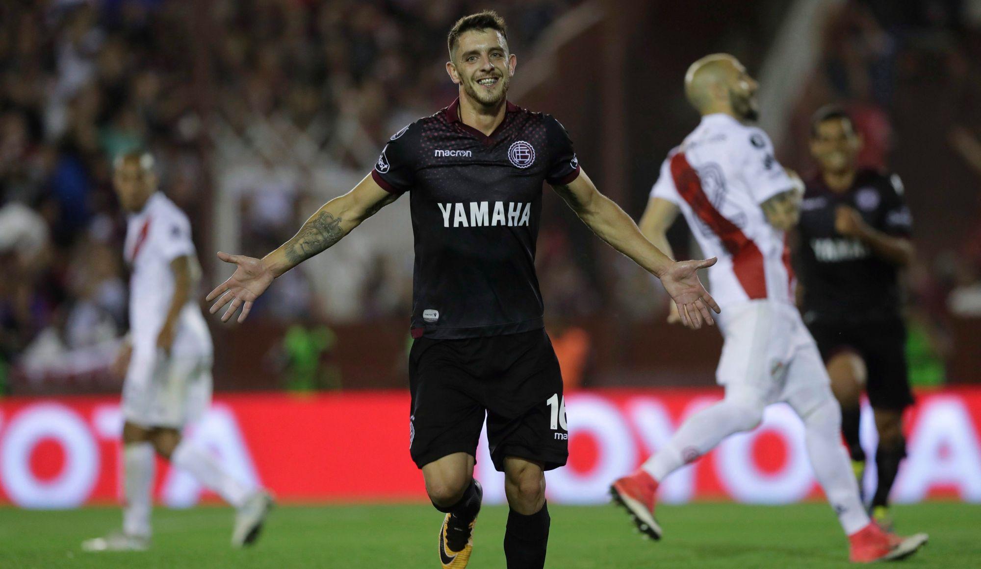 «(Silva) est un joueur offensif qui va améliorer notre attaque» - Garde