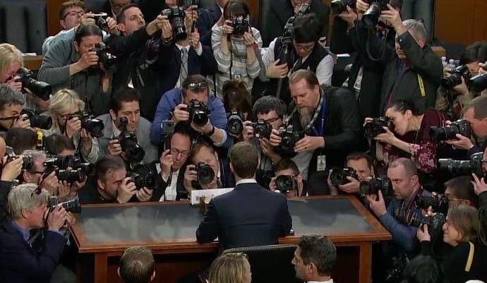Mark Zuckerberg devant le sénat américain