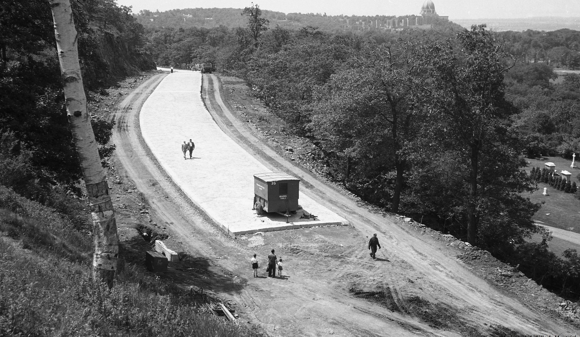 Historic Photos of Mount Royal BEFORE the Road