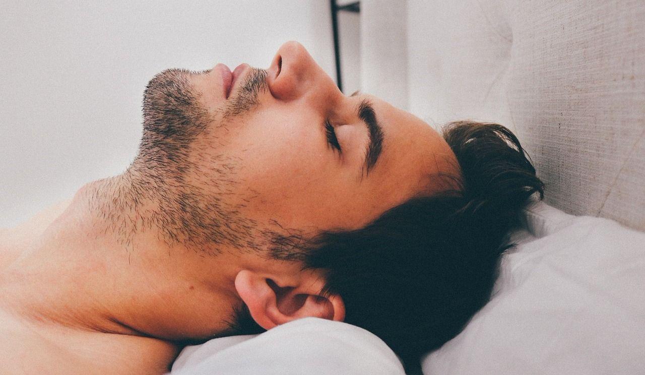 5 habitudes faciles à adopter pour gagner des minutes de sommeil le matin
