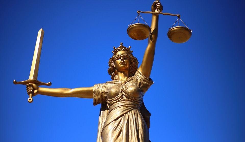 Facebook et justice : la confidentialité des jurés compromise