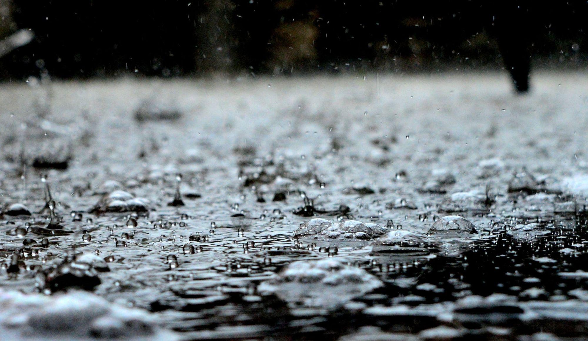 Pluie verglaçante: écoles fermées, 51 000 abonnés privés de courant