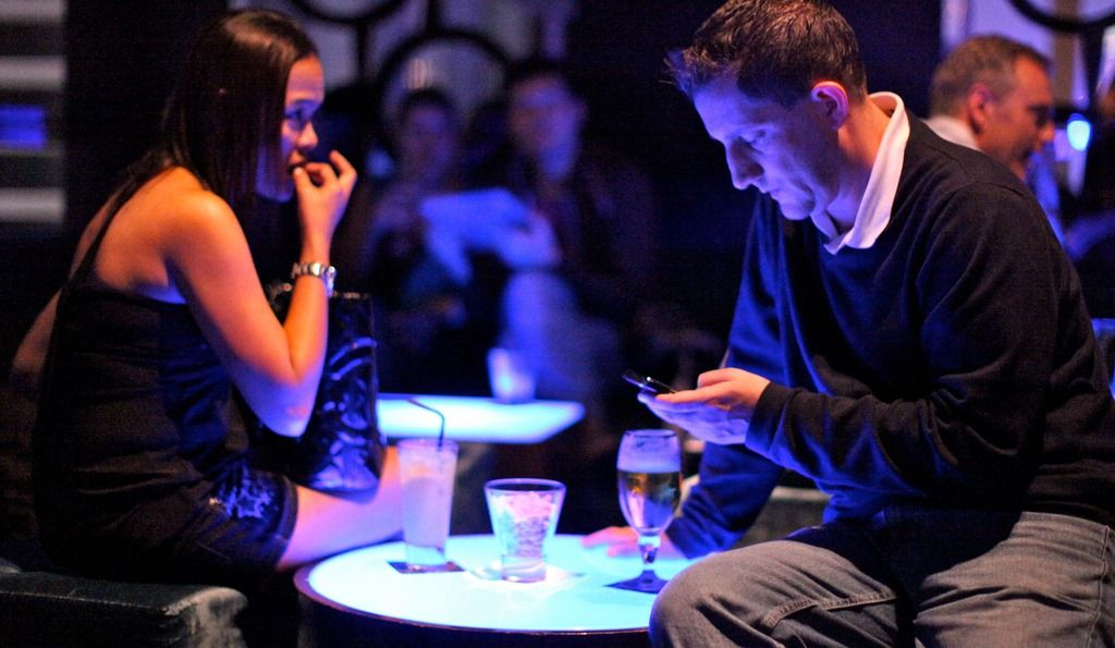 First date… Should you AVOID these subjects?