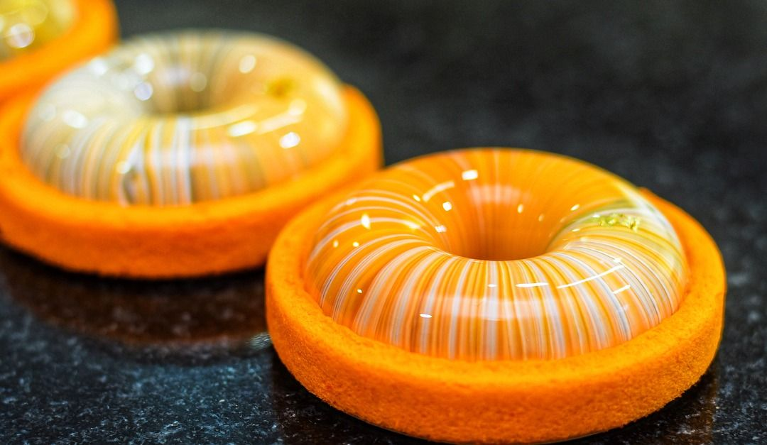 Les gâteaux miroir de cette pâtissière: sublimes