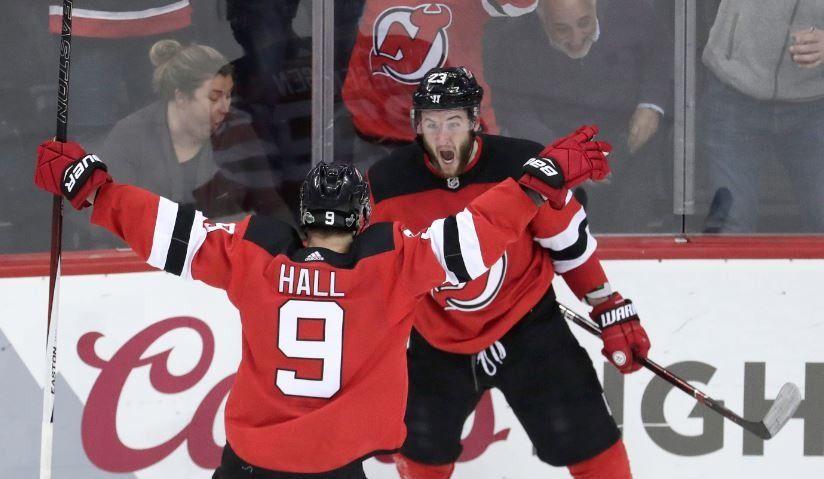 Les Devils freinent le Lightning à domicile (vidéo)