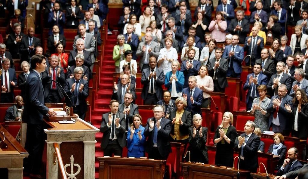 Trudeau s'adresse aux députés français avant de s'envoler pour Londres